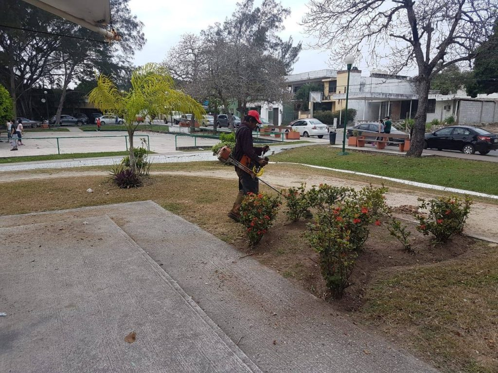 Ahora van contra vendedores en Parque Lomas de Rosales