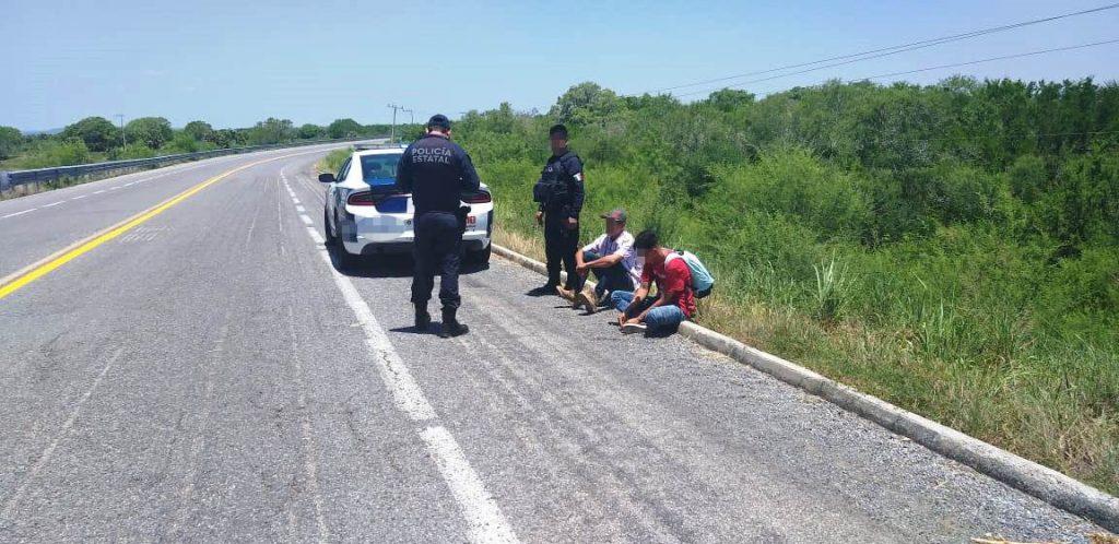 Localizan a 2 migrantes en la carreteta Soto la Marina-Aldama