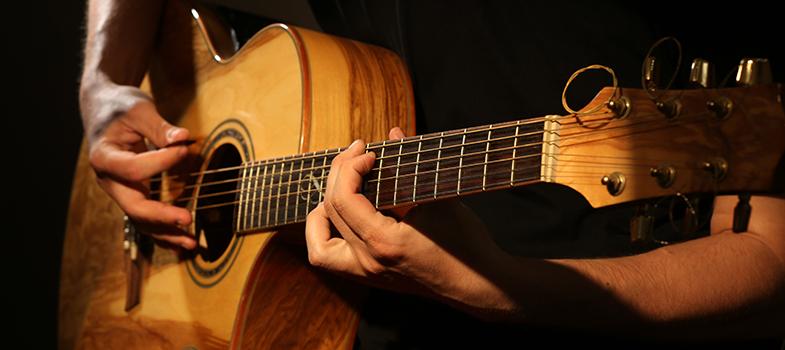 Música permite a niños y jóvenes vivir con dignidad: Arturo Márquez