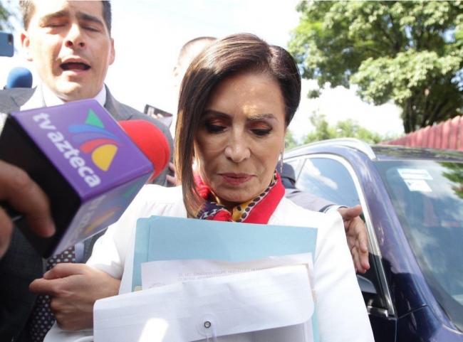 Dan prisión preventiva a Rosario Robles; la mandan a Santa Martha Acatitla
