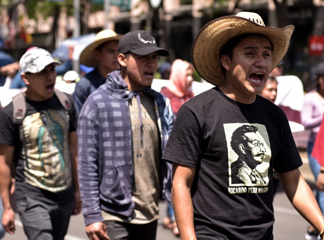 Comienza diálogo entre López Obrador y la CNTE