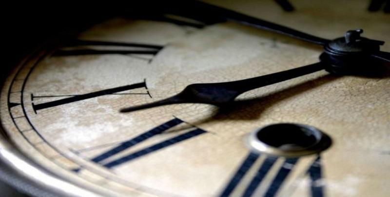Adelanta una hora tu reloj este sábado