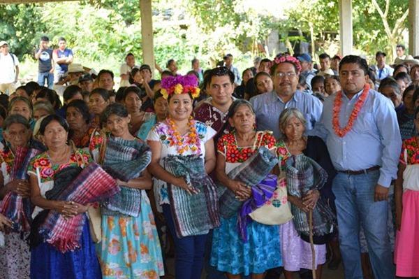 BENEFICIA EL INSTITUTO VERACRUZANO DE ASUNTOS INDIGENAS A FAMILIAS, CON EL PROGRAMA COBIJANDO TU SIERRA
