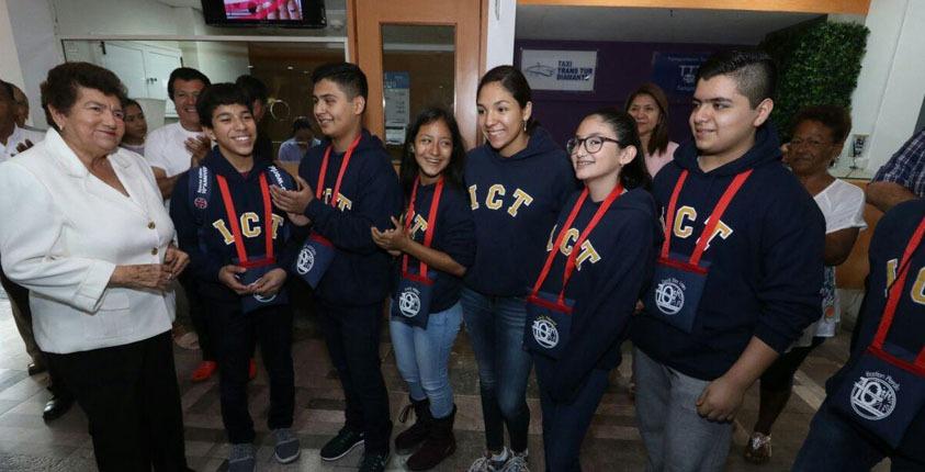 Desea Magda éxito a estudiantes que representarán  a Tampico