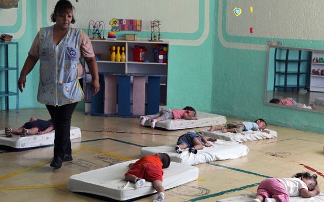 Papás podrán ya también inscribir a sus hijos en guarderías del IMSS