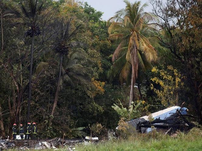Llegan primeros restos de mexicanos por avionazo en Cuba