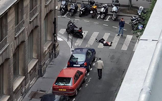Reportan dos muertos por ataque con cuchillo en París