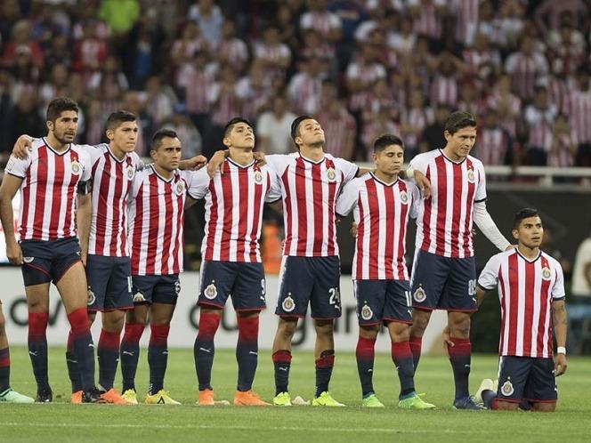 Jugadores de Chivas desafían a su directiva