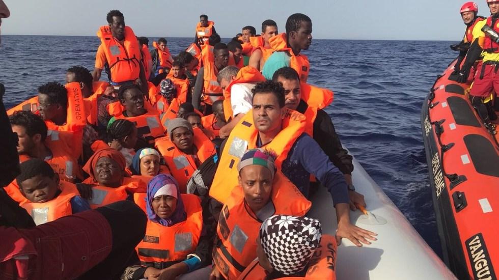 Buque español rescata a 60 migrantes en el Mediterráneo