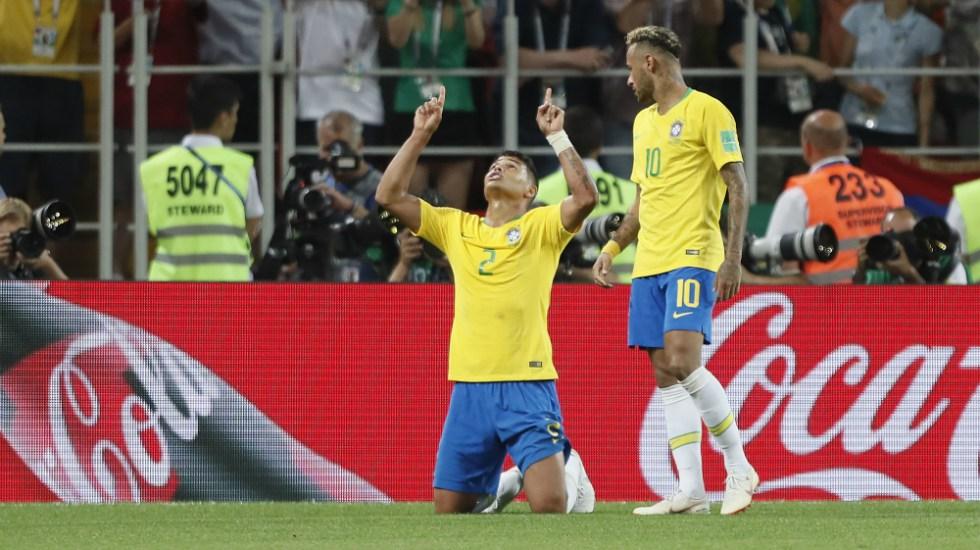 Un Brasil sin mucho brillo vence a Serbia
