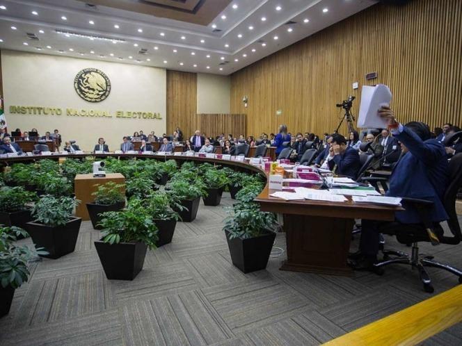Detecta INE 10 mil observaciones en fiscalización de candidatos