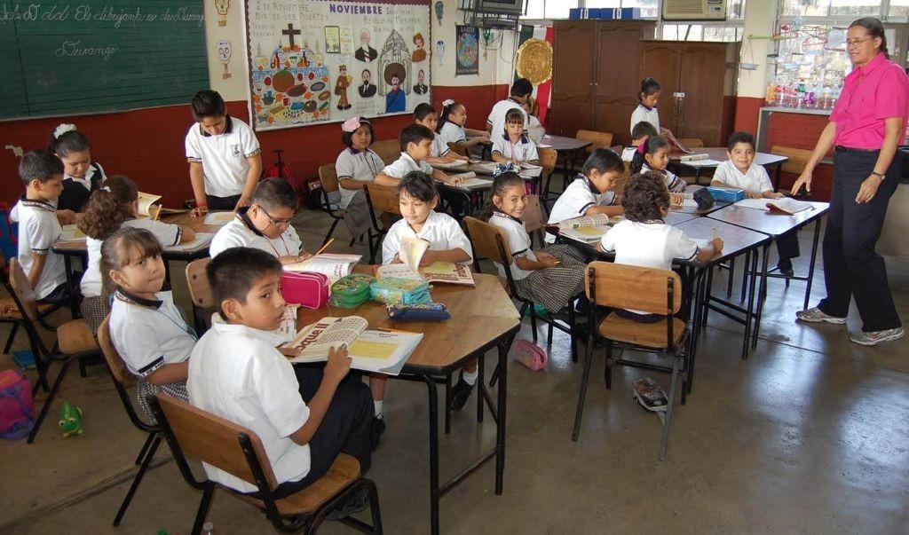 Instruirán a seis mil maestros sobre nuevo modelo educativo