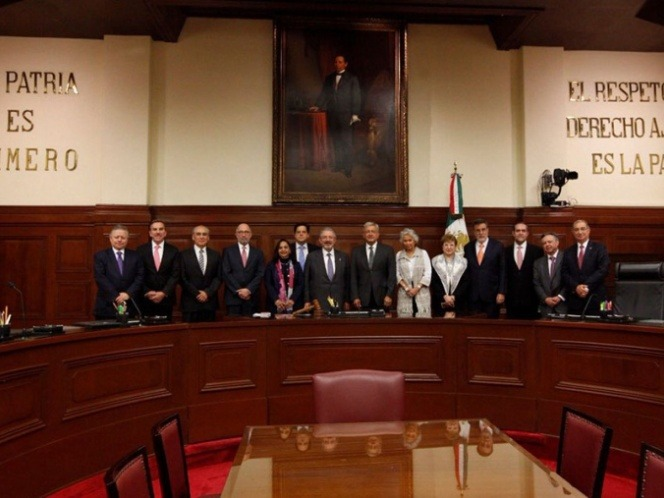 Ministros prevén ahorrar 5 mil millones en gastos: López Obrador