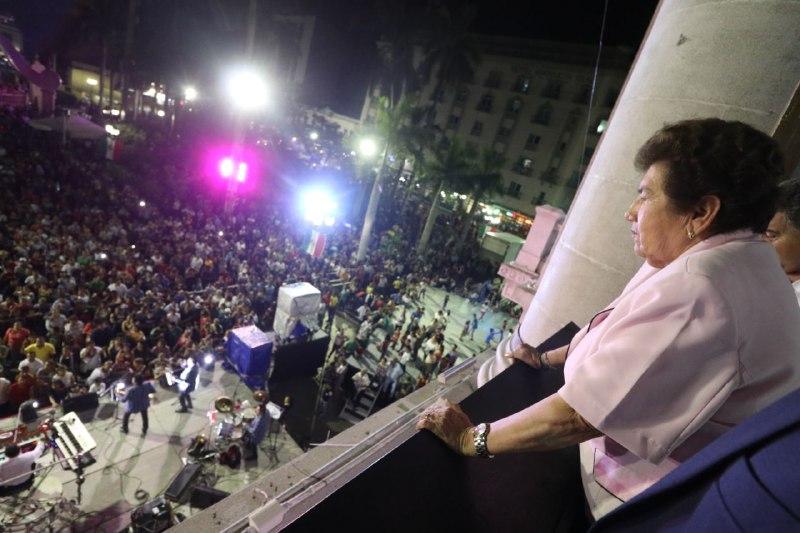 Celebra Magdalena Peraza grito de Independencia