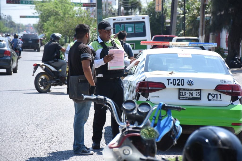Tránsitos están cazando a automovilistas: Fernando Arizpe