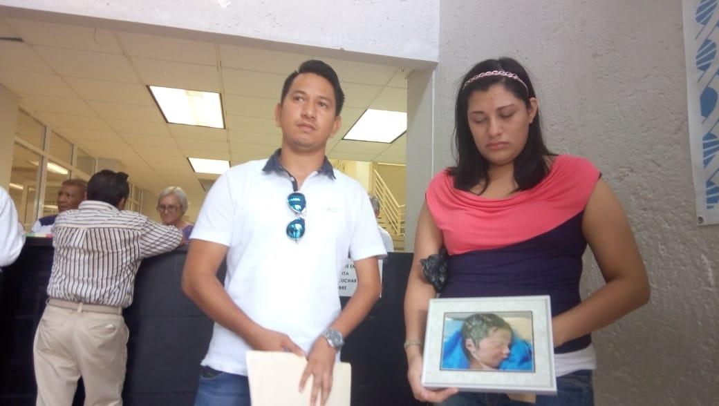 Demandan al Hospital Canseco  por negligencia médica en bebé