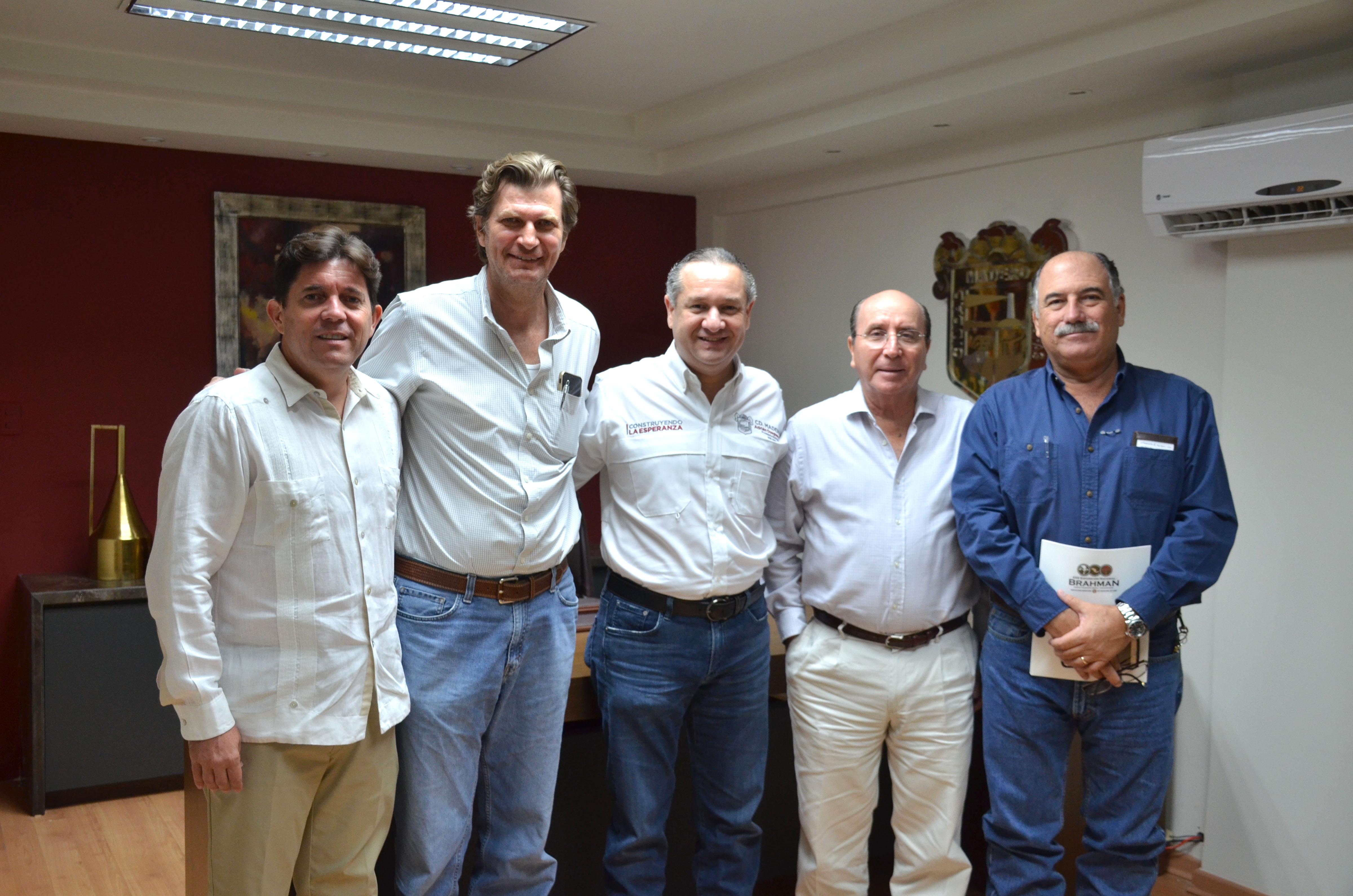 Oseguera impulsa el desarrollo económico en Madero