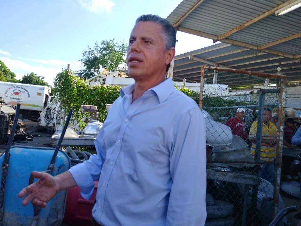 Detecta Chucho nómina inflada de 27 MDP al mes