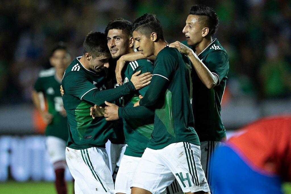 México vence 3-2 a Costa Rica en su regreso a Nuevo León