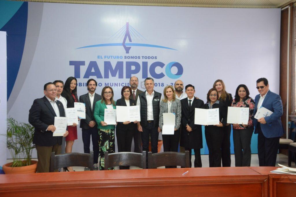 Suscribe Chucho Nader Convenio conDiez Universidades de Tampico