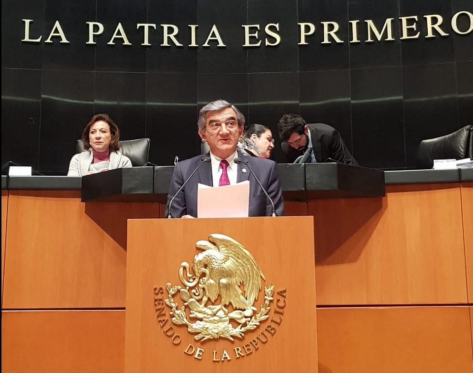 Pide senador Américo Villarreal no criminalizar acto médico