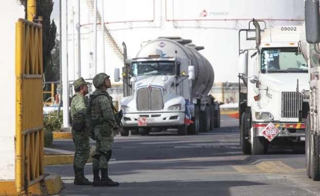 Ejército Mexicano y Marina toman control de PEMEX en todo México