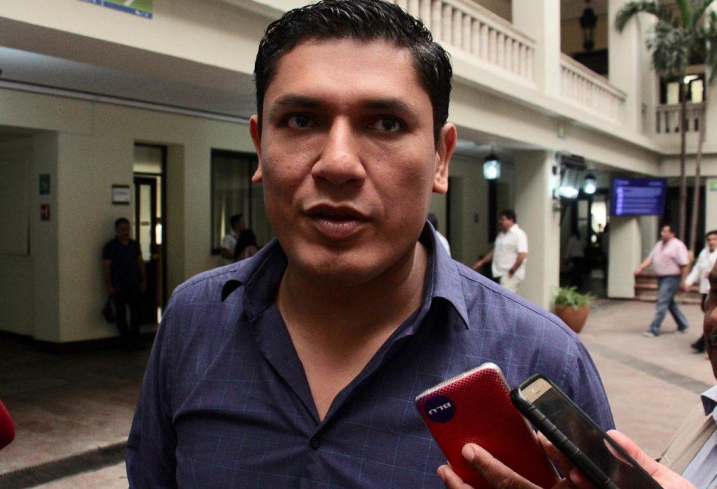 Renunció Arturo Soto, va por diputación
