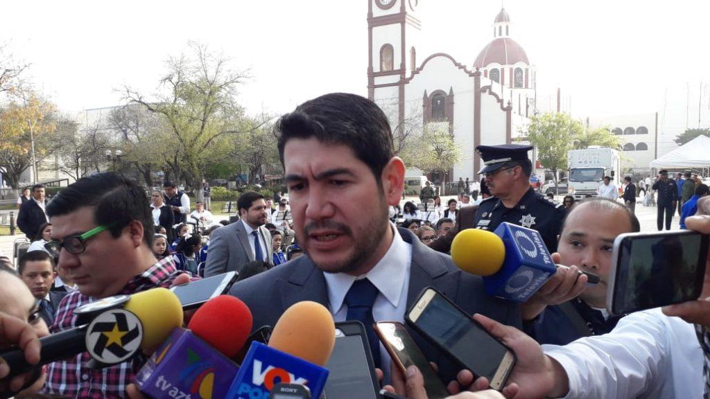 Héctor Escobar deja gabinete cabecista; va por diputación