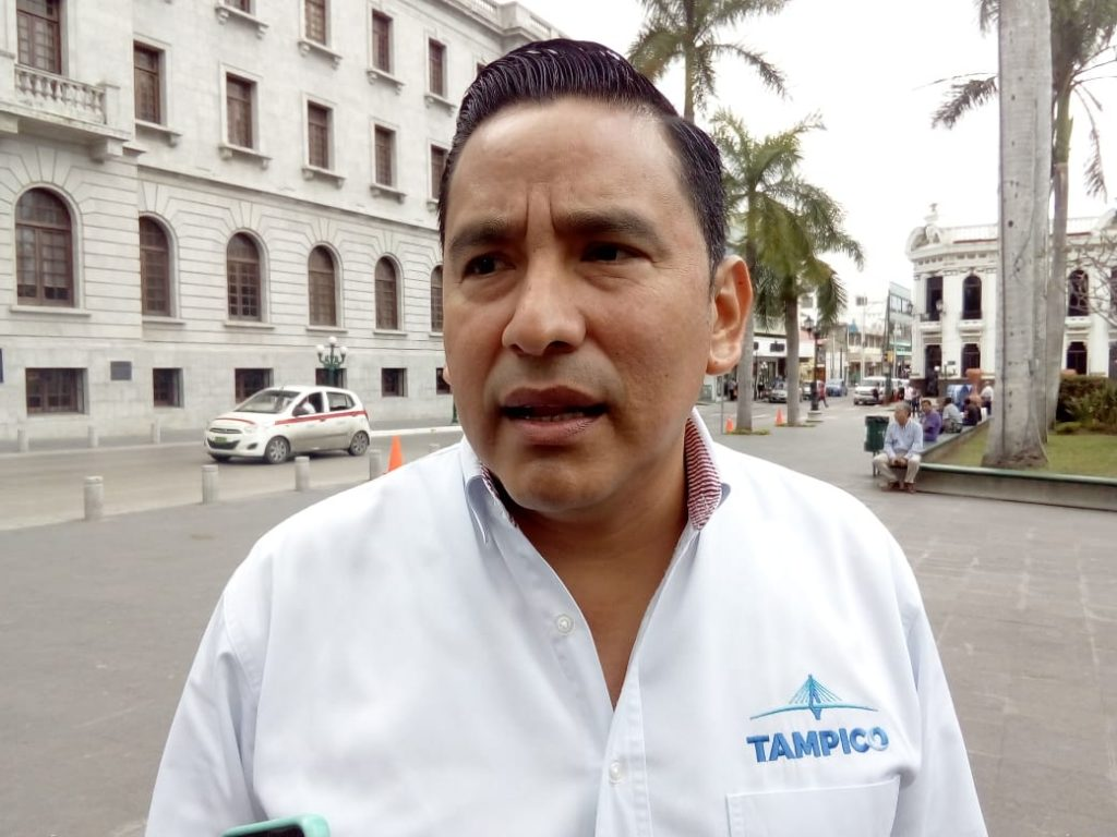 Investiga Sánchez Neri a funcionarios que cobran doble