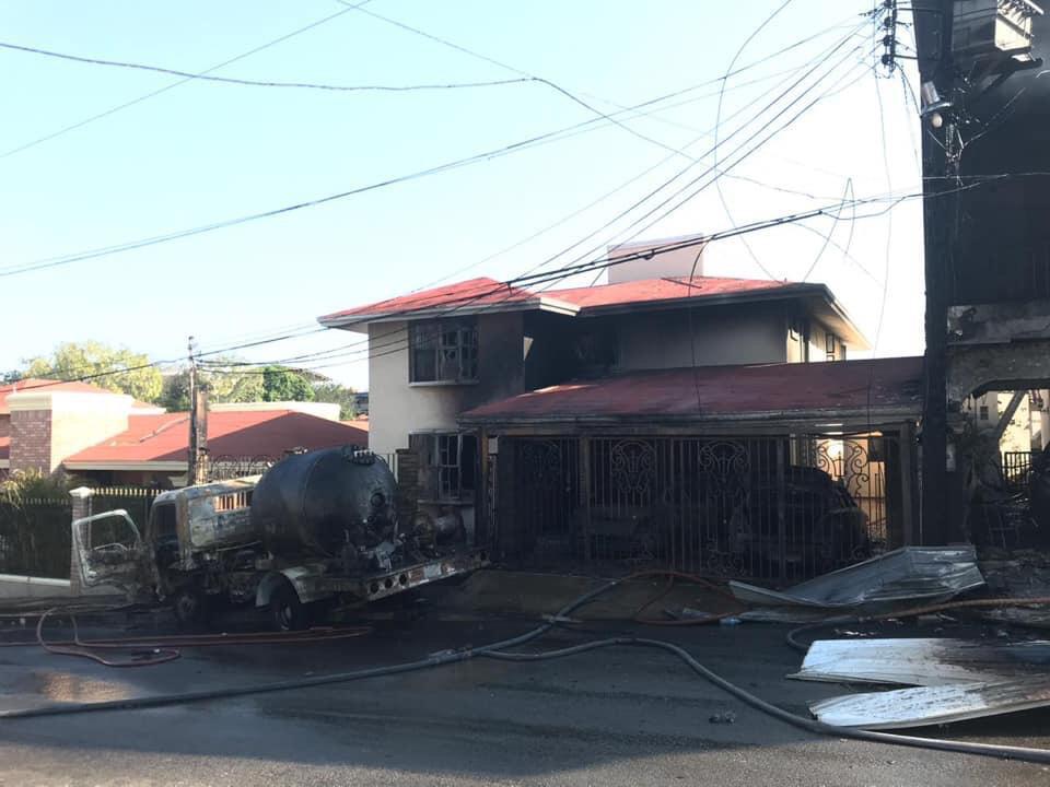 Reportan 3 personas graves por explosión de pipa con gas