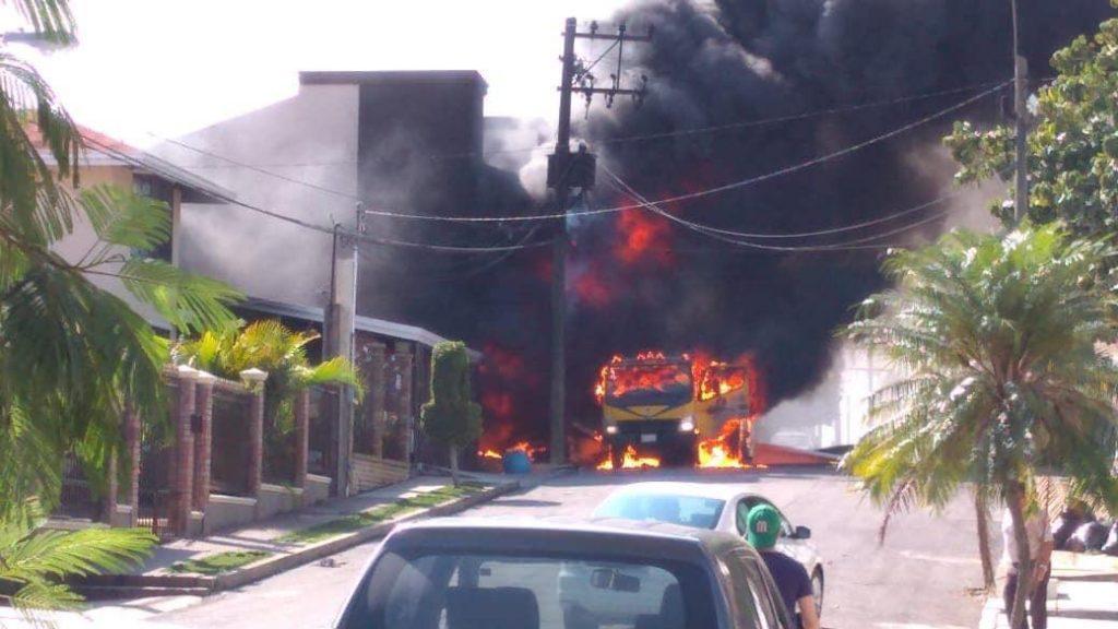 Explota pipa de gas en zona residencial de Tampico