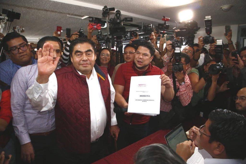 Confirma MORENA a Miguel Barbosa, candidato a gobernador de Puebla