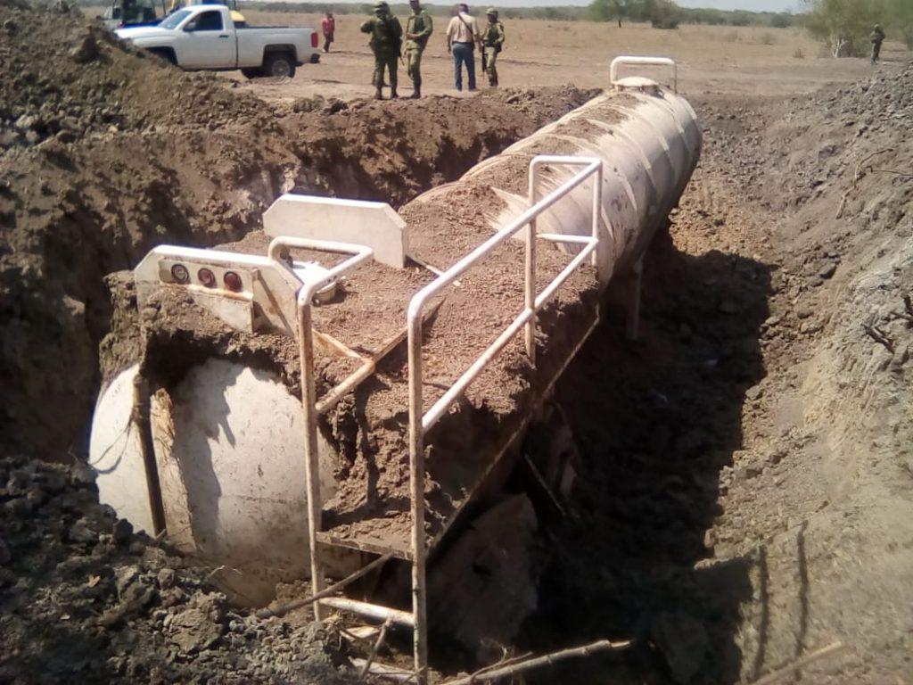 Localiza SEMAR tanques enterrados con huachicol en Pánuco