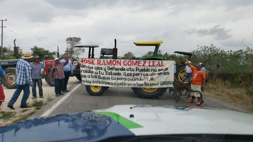 Protestan contra JR Gómez Leal por recortes al Campo