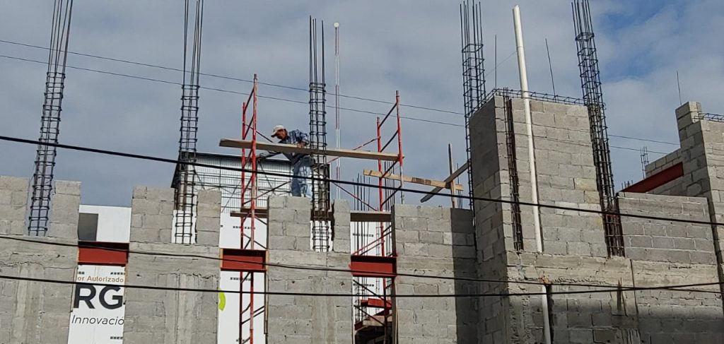 Constructoras sin trabajo, crece desempleo