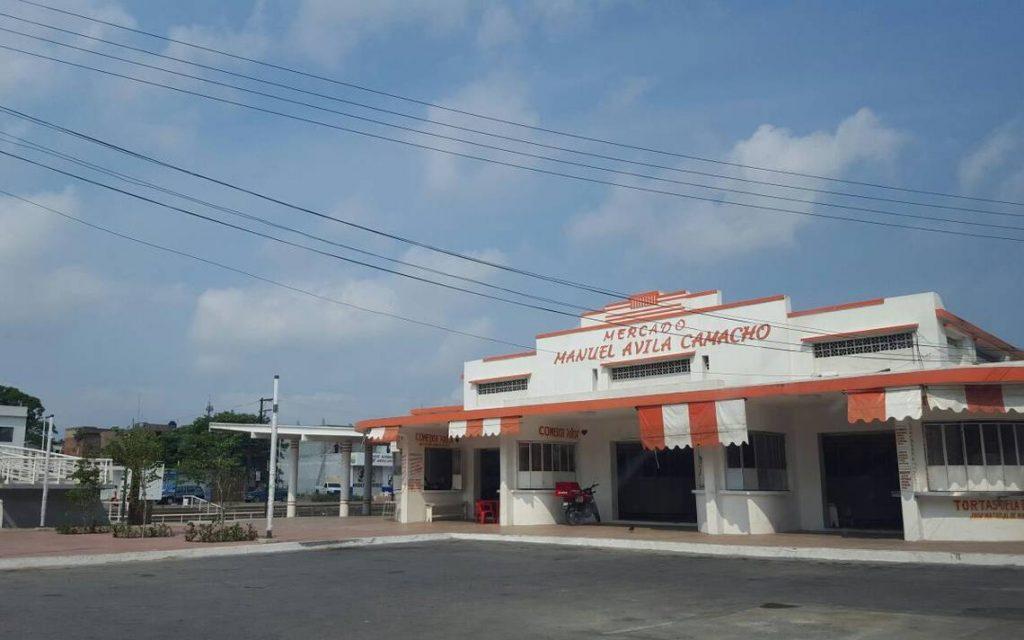 Recupera municipio 12 locales del Mercado Ávila Camacho