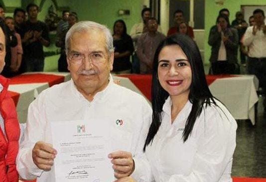 Renuncia Roberto González a dirigencia del PRI