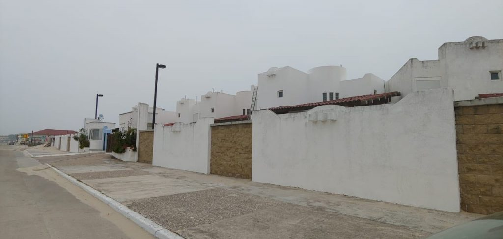 Frena Madero construcciones privadas en Miramar