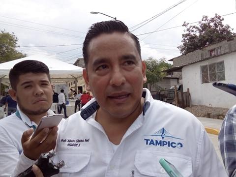 Regidor se une a descuento salarial propuesto por Chucho Nader