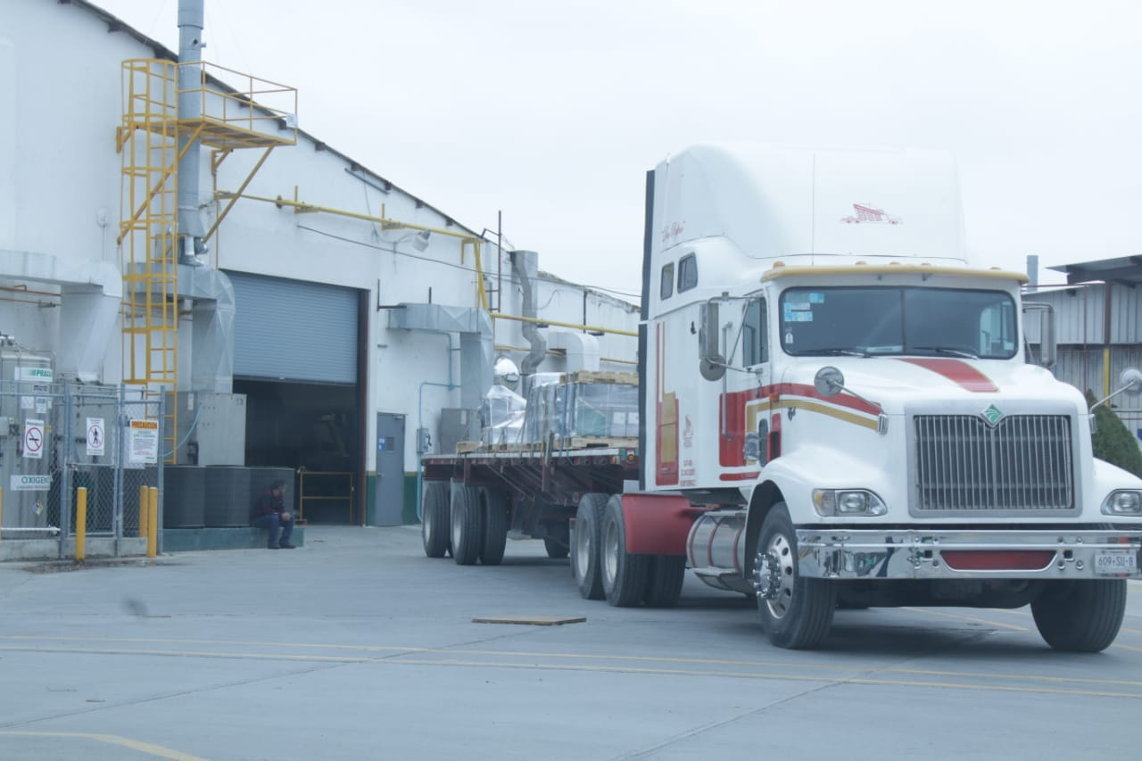 Transportistas de Altamira paran labores ante revisiones de SCT