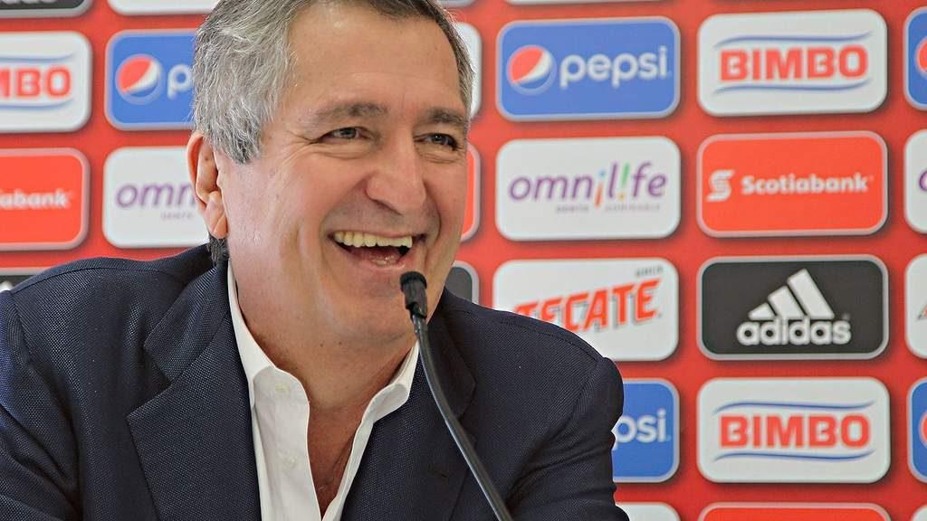 """Jorge Vergara gana el juicio y se queda con la marca """"Chivas"""""""