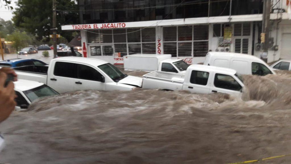 Tromba causa afectaciones en la ciudad de Aguascalientes