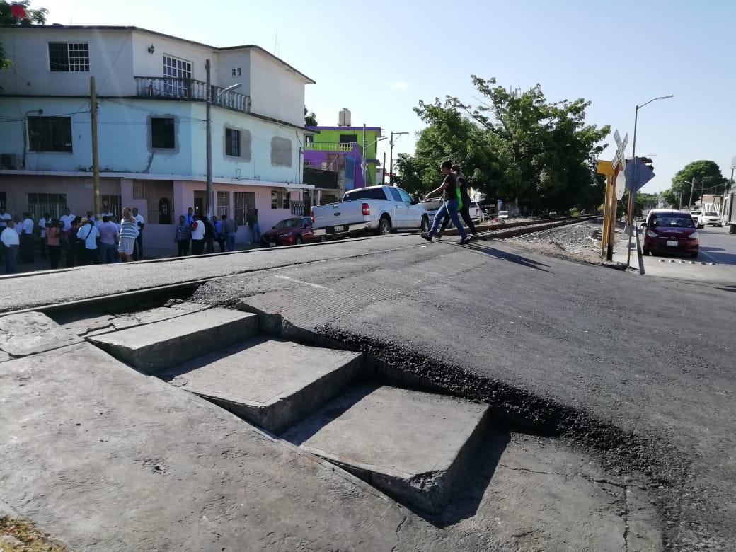 Municipio Pone en Funcionamiento Paso Vehicular en Zona de Mercados