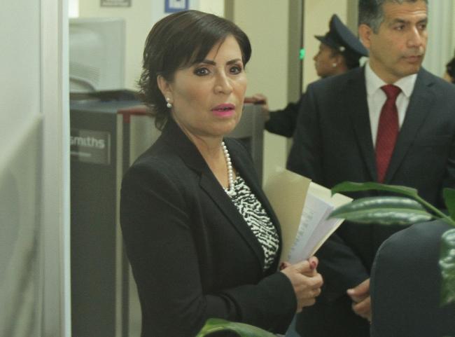 Hacienda congela cuentas bancarias de Rosario Robles