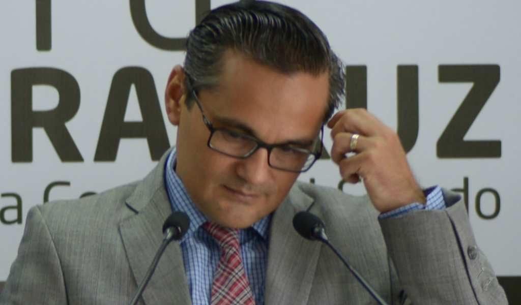 Jorge Winckler es separado temporalmente de su cargo como Fiscal de Veracruz