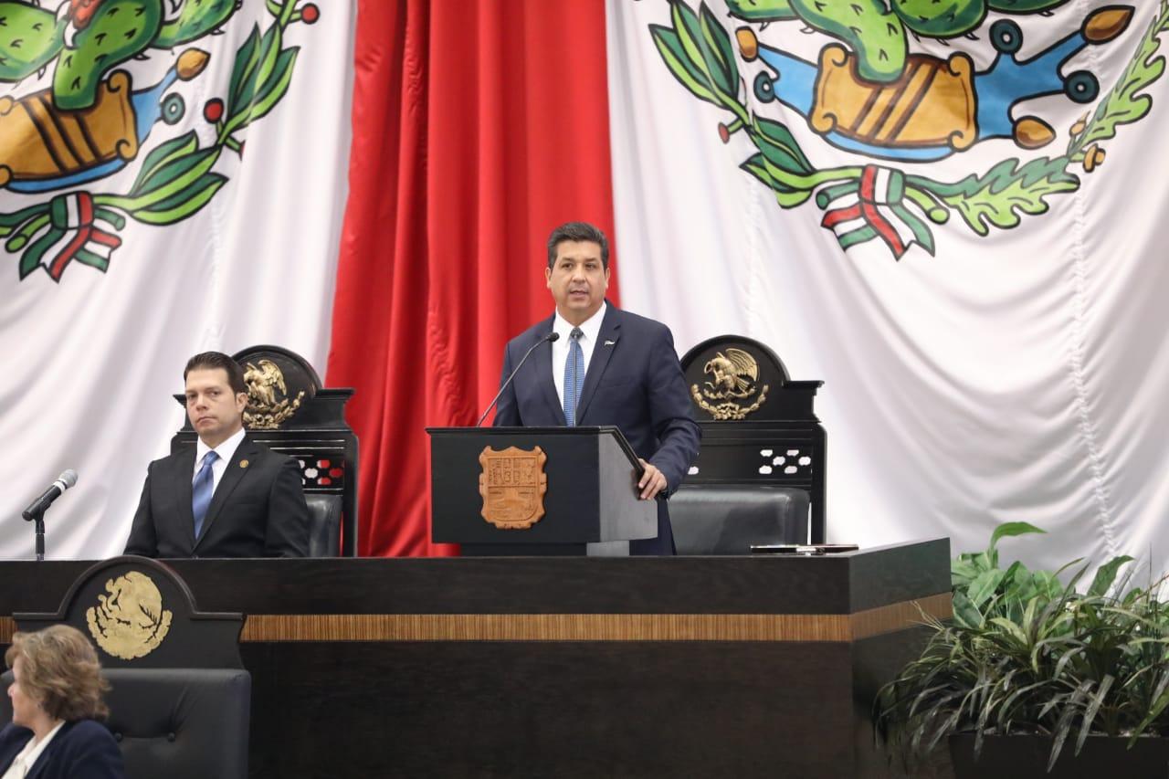 Destaca Gobernador a nuevo puerto en su informe de Gobierno