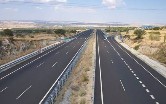 Prevén constructores afectaciones con recorte a presupuesto a rubro de carreteras