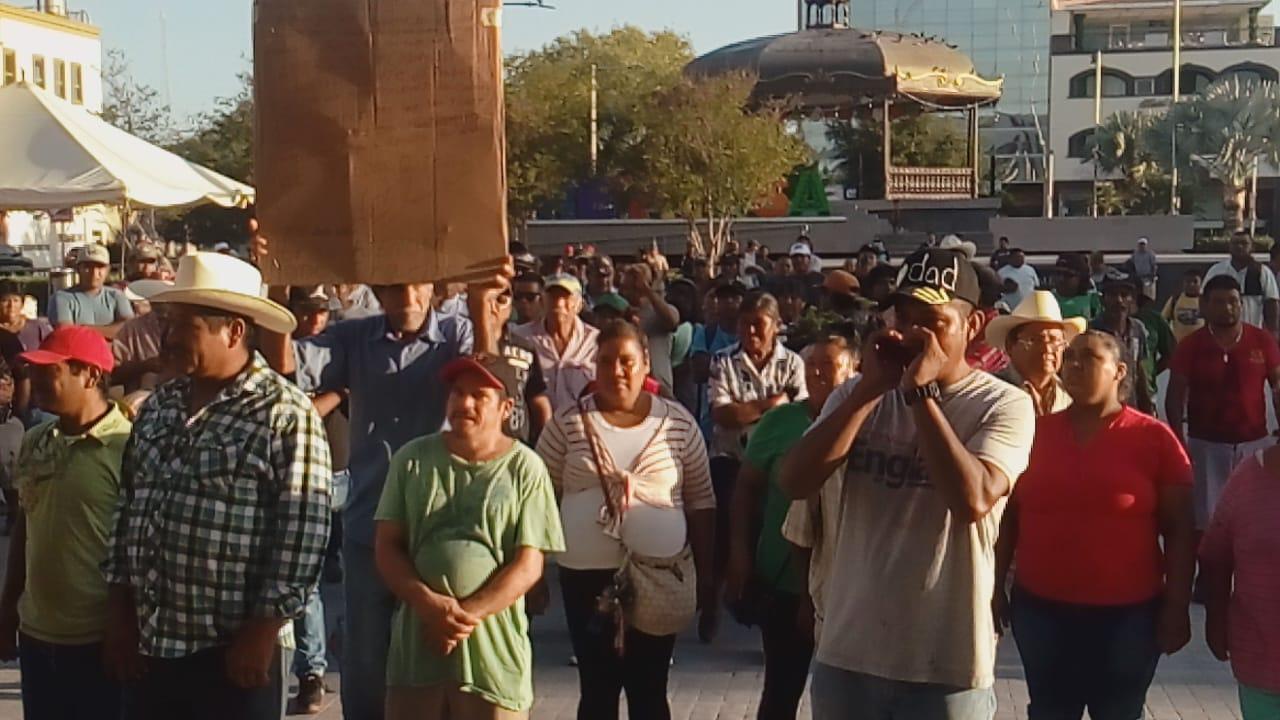 Ofrece Maki Ortiz diálogo a carretoneros en Reynosa