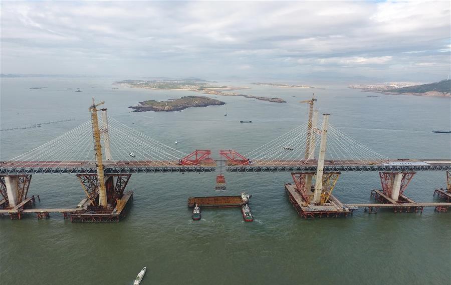 China tiene puente marítimo combinado tren-carretera más largo del mundo
