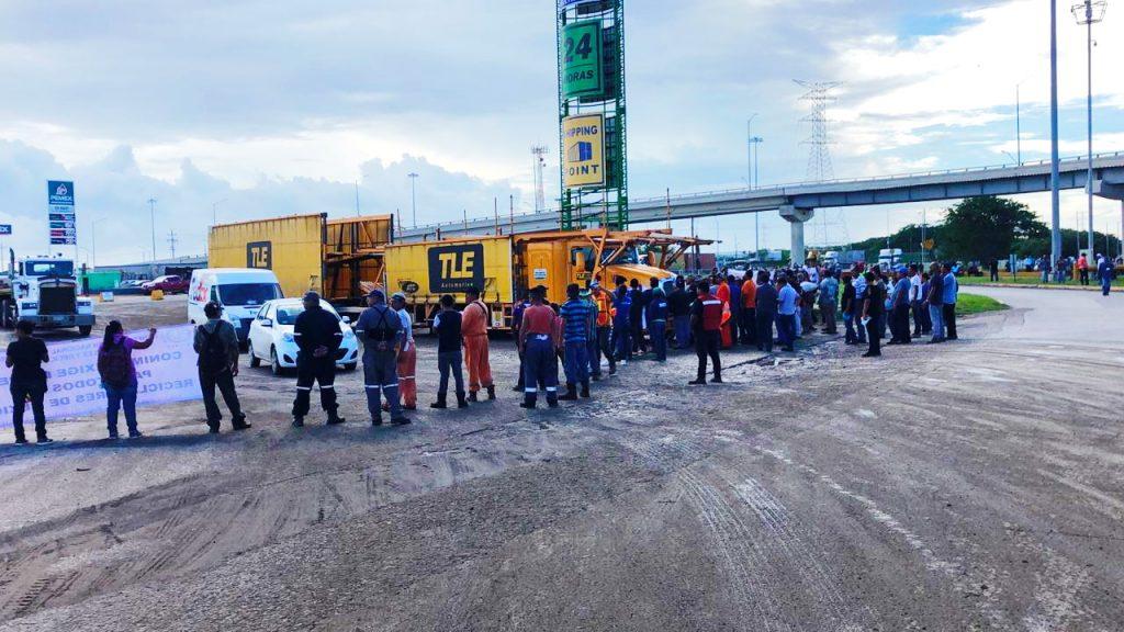 Bloquean recicladores el puerto de Altamira